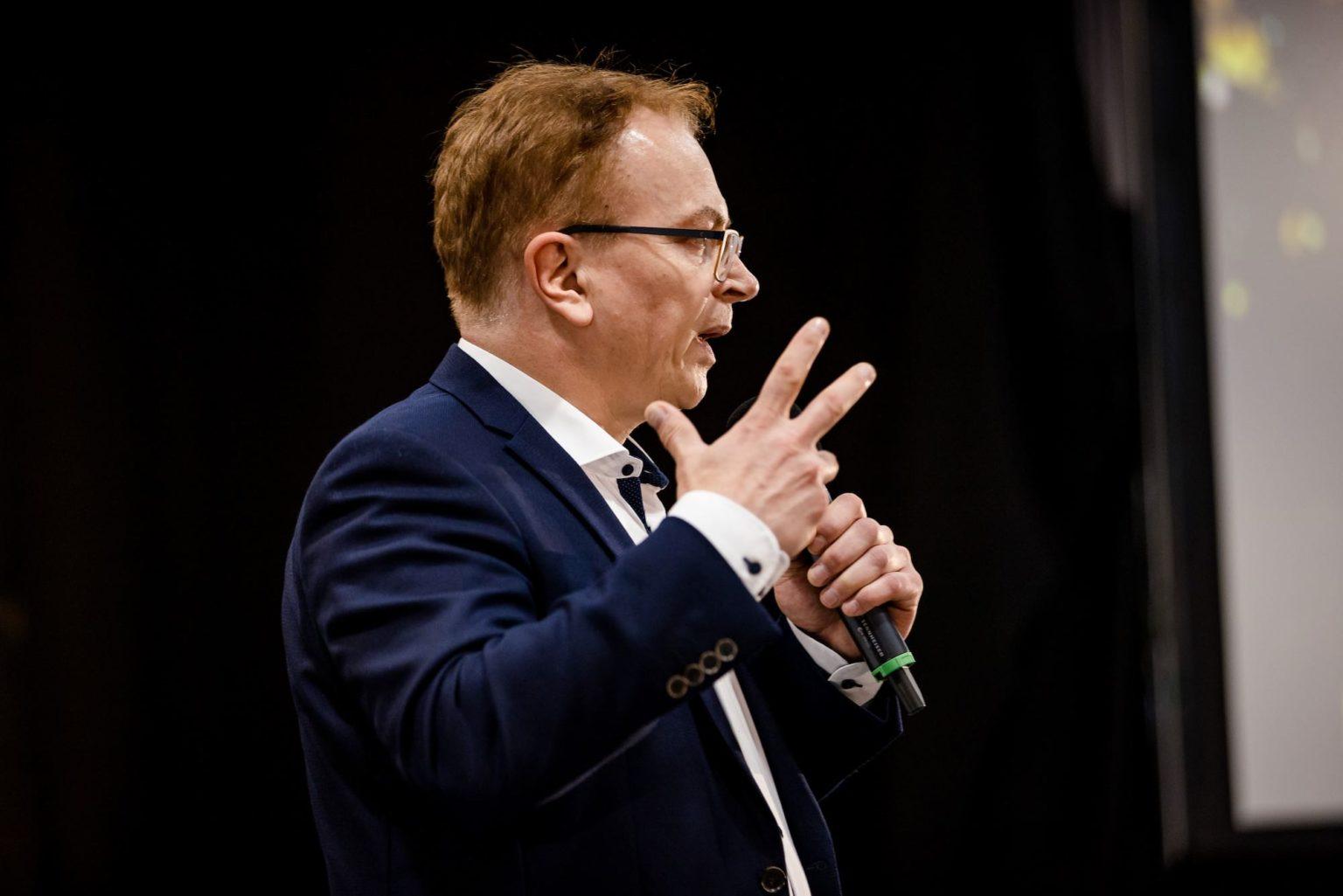 Wolfgang Schmid lebhafter Vortrag