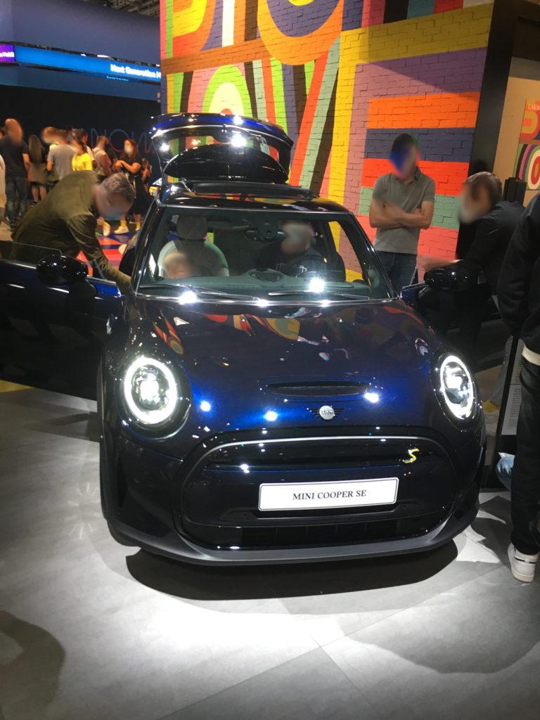 IAA München 2021 BMW Mini blau